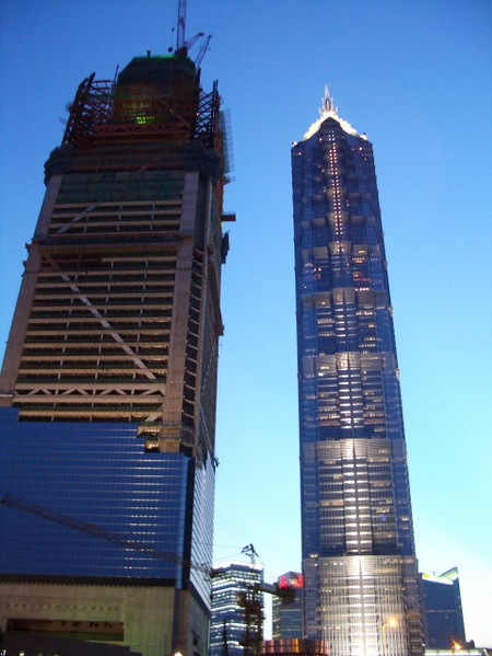 Jinmao_towers_little_bother