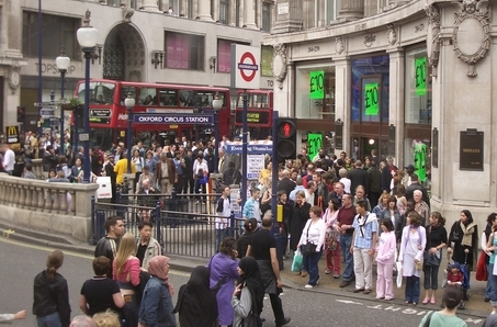 ����� ������ �������� london_crowds_1.jpg