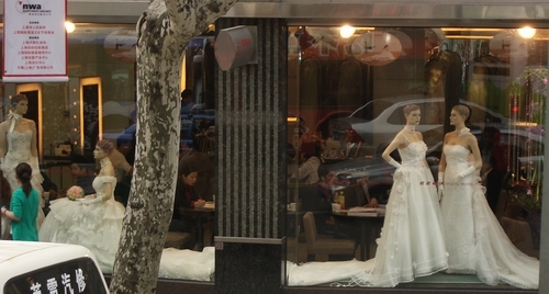 Wedding_shop_window
